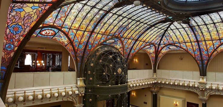 Stained glass ceiling of the Gran Hotel Ciudad de México. Made in 1908 by French artisan Jacques Gruber. Photos from wikipedia/MXcity.