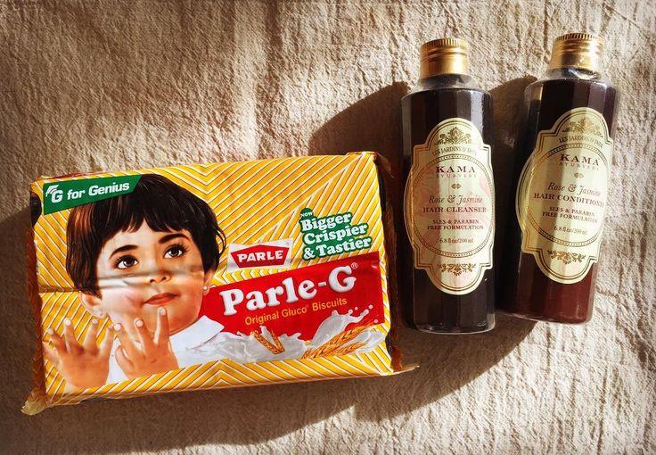 Souvenirs from India. Love this package:)  対照的なインド土産 THEインドな雰囲気溢れるビスコ的お菓子と ハイエンドなコスメなコスメブランドのシャンプー パッケージデザインどちらも私には刺さる 随分と進歩してるなぁ KAMAはさすがアーユルヴェーダで名高いインド100%ナチュラル製品とのことで使うのが楽しみ  フィルムに微細な埃がつきまくっていたあたり インドの様子が伺える そうとう空気が汚れているっぽい . . #india #souvenir #kama #cosmetics #herbs #package #design #kitsch #インド #パッケージ #お土産 #世界のお土産 #デザイン #キッチュ