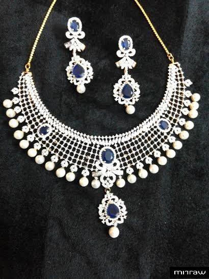 Beautiful heavy look necklace