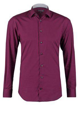 Jaką koszulę wybrać? http://luxlife.pl/koszule-wybrac-krotki-poradnik-dla-mezczyzny/