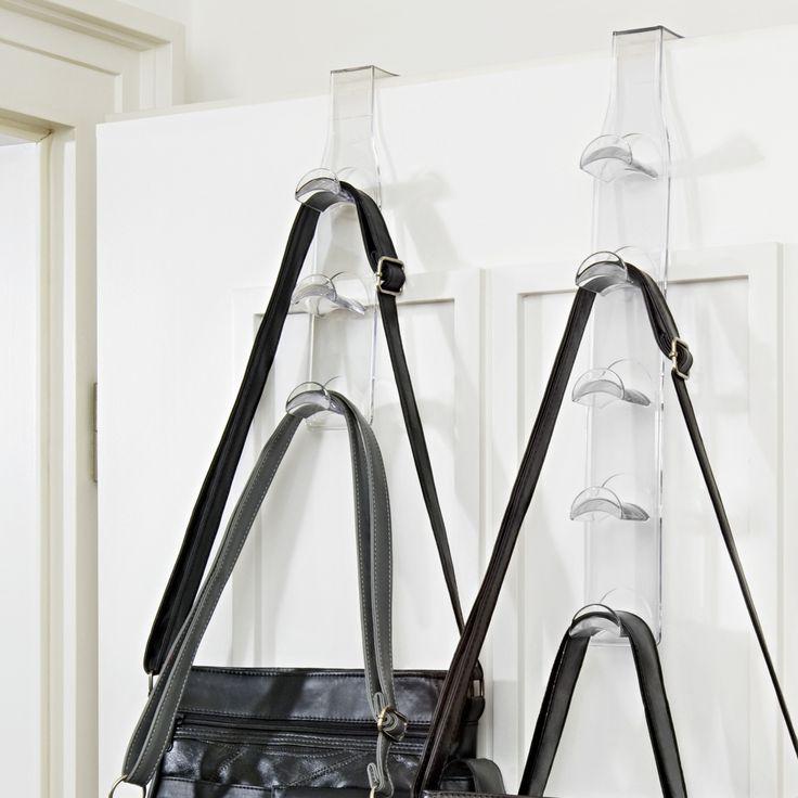 Les sacs prennent toute la place dans l'armoire. Notre conseil : suspendez le support pour sacs à la porte de votre armoire ou de votre chambre. Ainsi, ils ne seront plus écrasés et vous les aurez toujours à portée de main. En plastique.