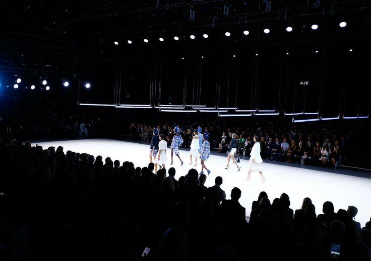 Gloss Creative | Myer S16 'New Light' Runway #glosscreative #myer #creativedirection #setdesign #runway #catwalk #fashionparade #kineticlighting