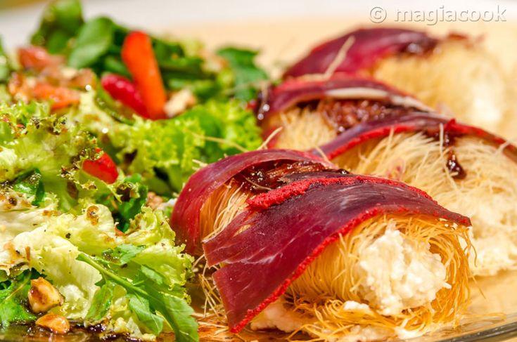 Ρολάκια καταϊφιού με φρέσκια μυζήθρα, μαρμελάδα φράουλα και παστουρμά