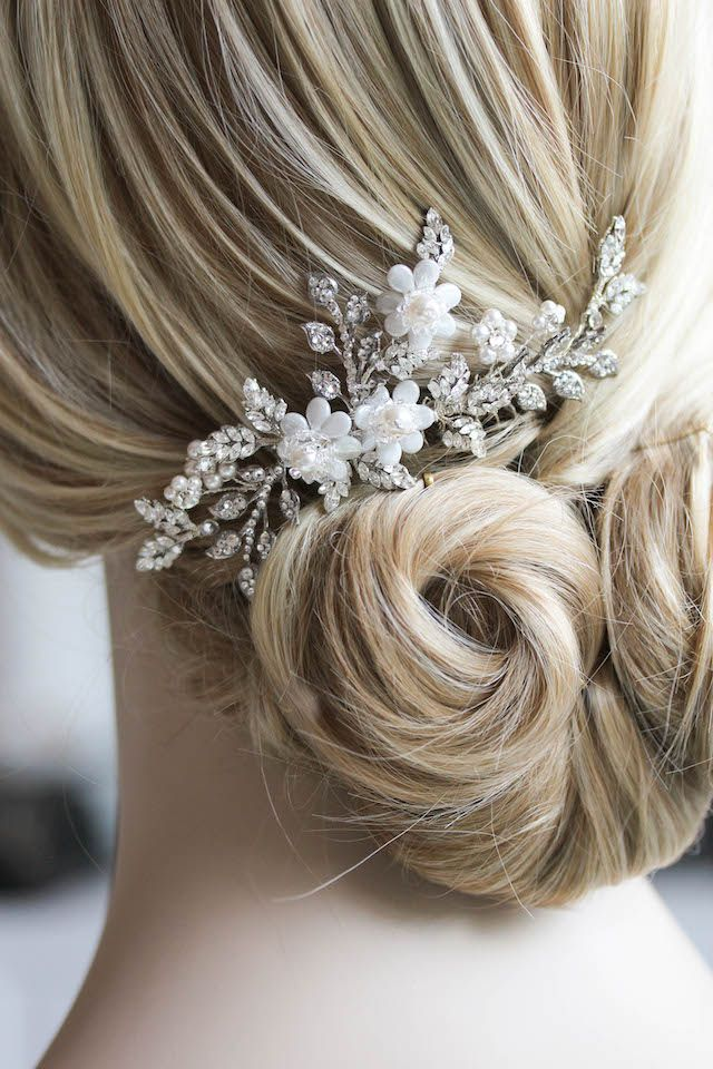 A Nod to Nature| A silver crystal bridal hair comb for Zenith