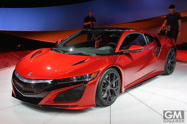 ホンダ「アキュラ」、新型の「NSX」の市販モデルを初公開。