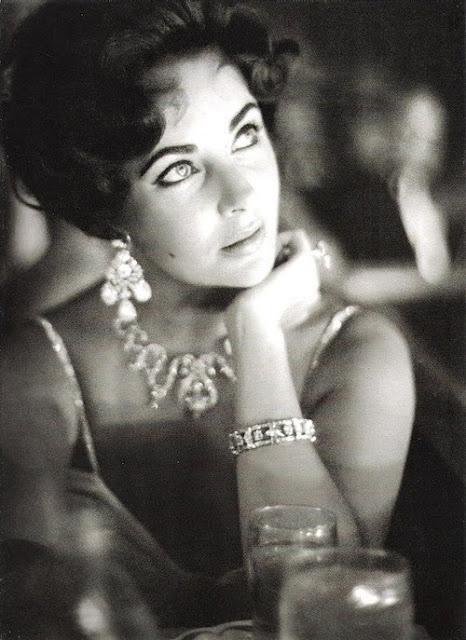 Liz Taylor LOVE.: Celebrity, Style, Elizabeth Taylors, Elizabethtaylor, Liztaylor, Jewels, White Diamonds, Photo, Liz Taylors