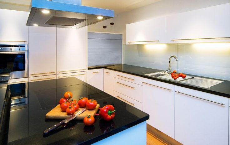 Die besten 25+ schwarzer Granit Arbeitsplatten Ideen auf Pinterest - arbeitsplatte küche günstig kaufen
