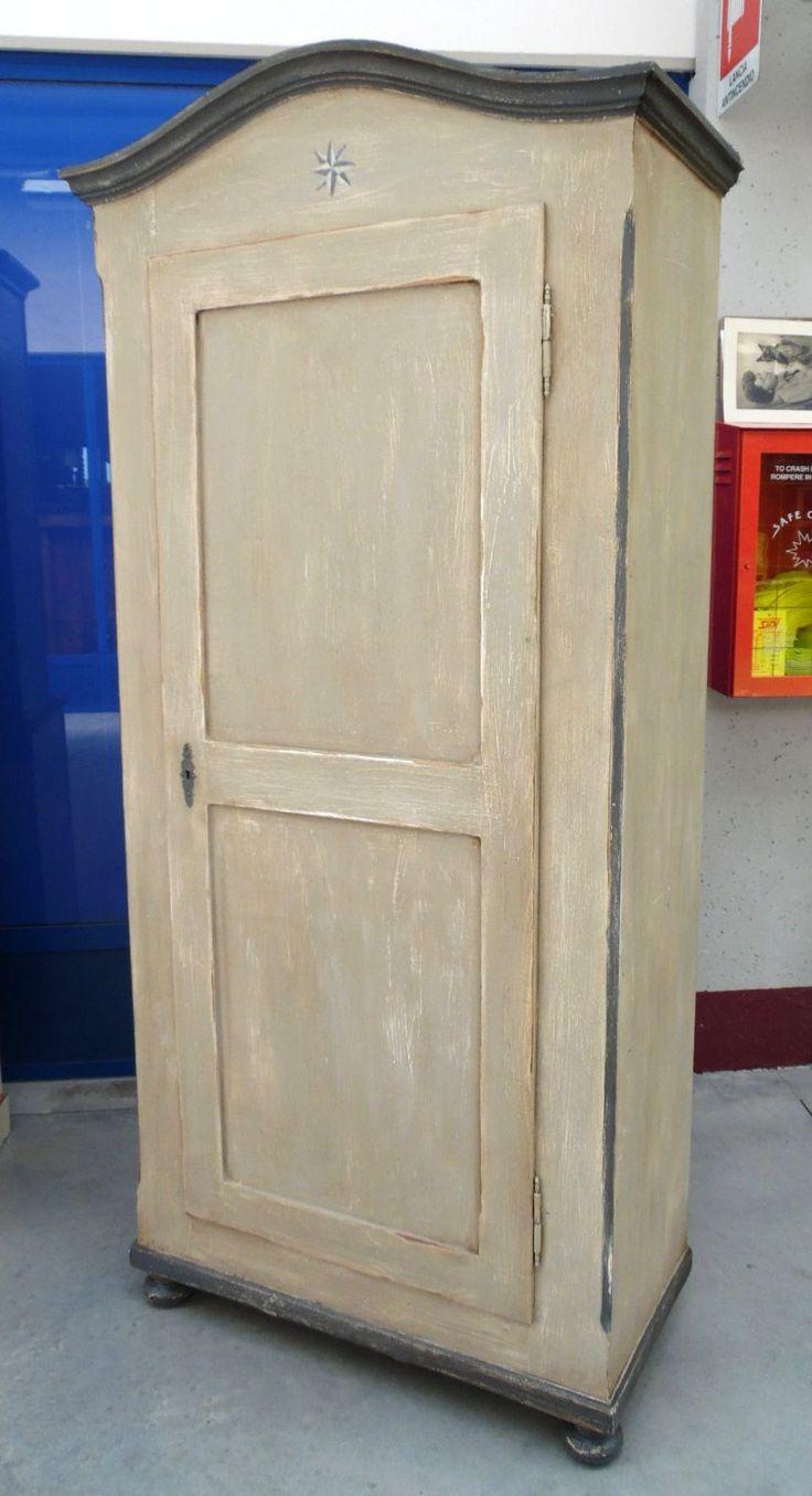Armadio primo '900 legno conifera ad un'anta laccato a più tinte patinato+ dipinto