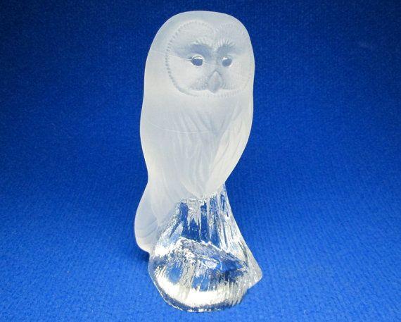 glass owl NYBRO sweden  design J & S Brattstrom at jumpinacrater