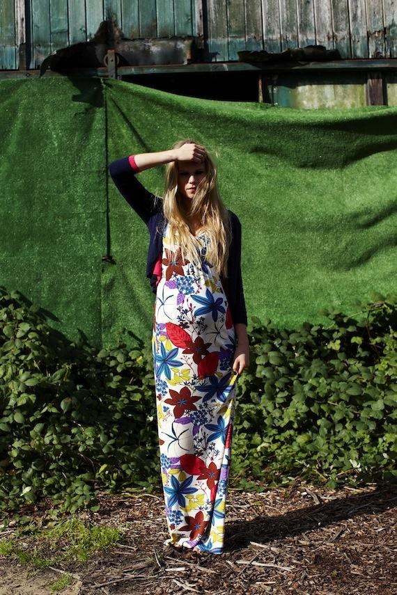 Mooi zwanger: Queen Mum dress available at www.belly-b.nl
