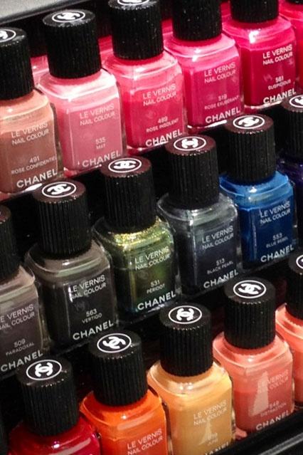Chanel Le Vernis Nail Colours  |    Chanel Le Vernis Nail Colour #louboutin #hermes #chanel #style #chinaglaze #OPI #nailsinc #dior #orly #Essie #Nubar #ILLAMASQUA @opulentnails over 17,000 pins