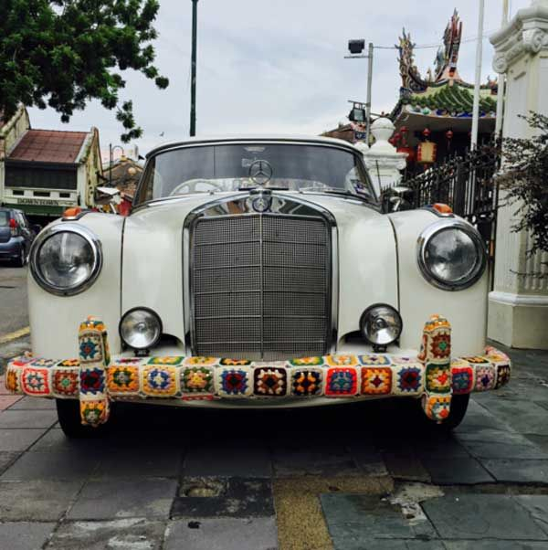 Sanatlı Bi Blog Kamusal Alanları Örgü İplikleriyle Bombalayan Sokak Sanatı: 'Yarn Bombing' 46