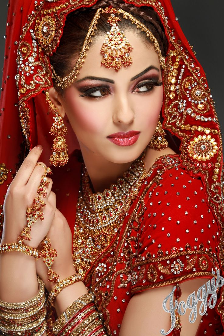For bridal Ethnic Collection @ http://fashionfiza.com/sarees/bridal-sarees