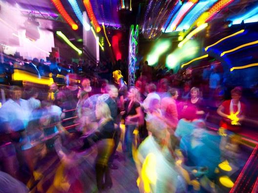 Osnabrücker Clubs: GEMA  will mehr Geld von #Diskotheken  #Osnabruek #Disco (Foto dpa) www.noz.de/65491786