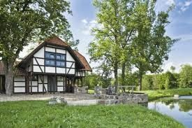 Znalezione obrazy dla zapytania dom nad rozlewiskiem pensjonat