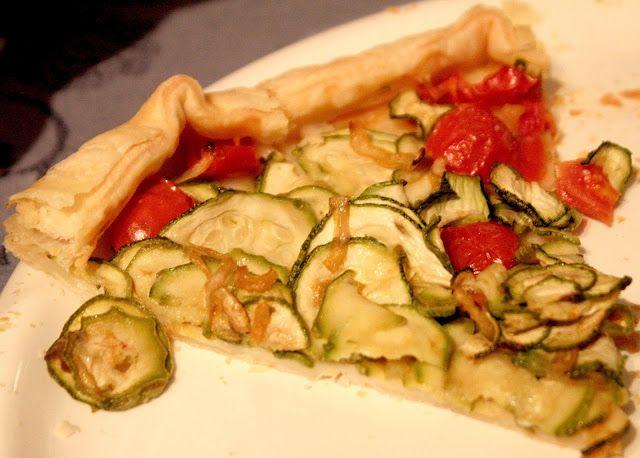 Torta Rustica con Zucchine e Pomodorini fatta con il Bimby: LEGGI LA RICETTA ► http://www.ricette-bimby.com/2013/06/torta-rustica-con-zucchine-bimby-con.html