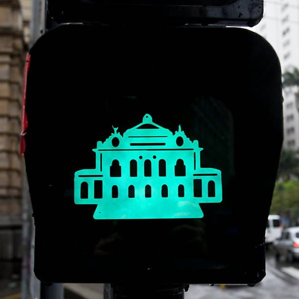 De Masp a Pacaembu, pontos turísticos viram semáforos para pedestres em SP - 10/11/2013 - sãopaulo - Folha de S.Paulo