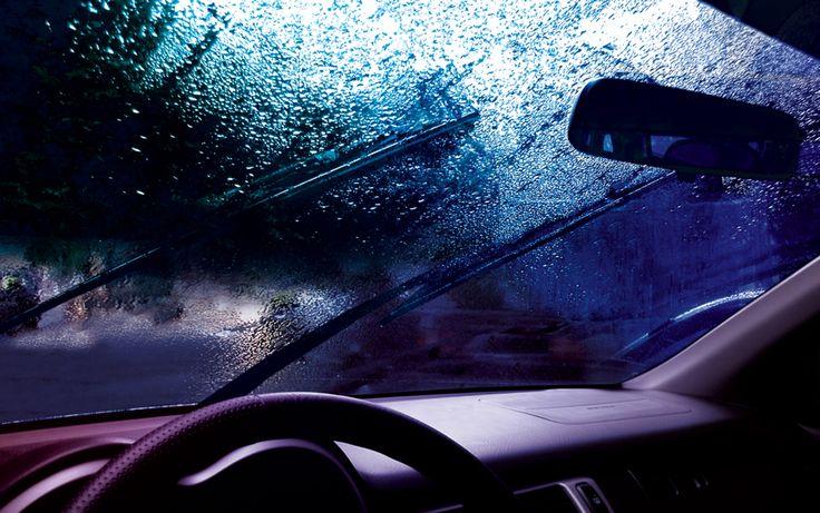 Jazda w deszczu – 5 zaleceń by bezpiecznie dojechać do celu  https://www.autodna.pl/blog/jazda-w-deszczu-5-zalecen-by-bezpiecznie-dojechac-do-celu/