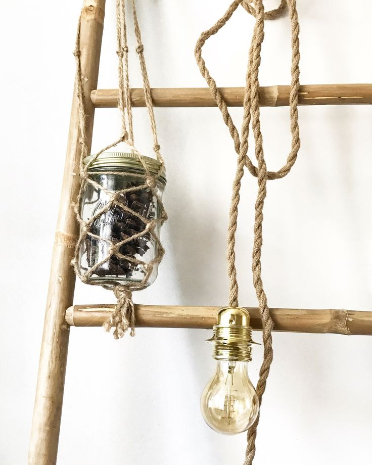 Le produit Baladeuse corde entrecroisée 2m50 est vendu par Homemade's Shop dans notre boutique Tictail.  Tictail vous permet de créer gratuitement en ligne un shop de toute beauté sur tictail.com