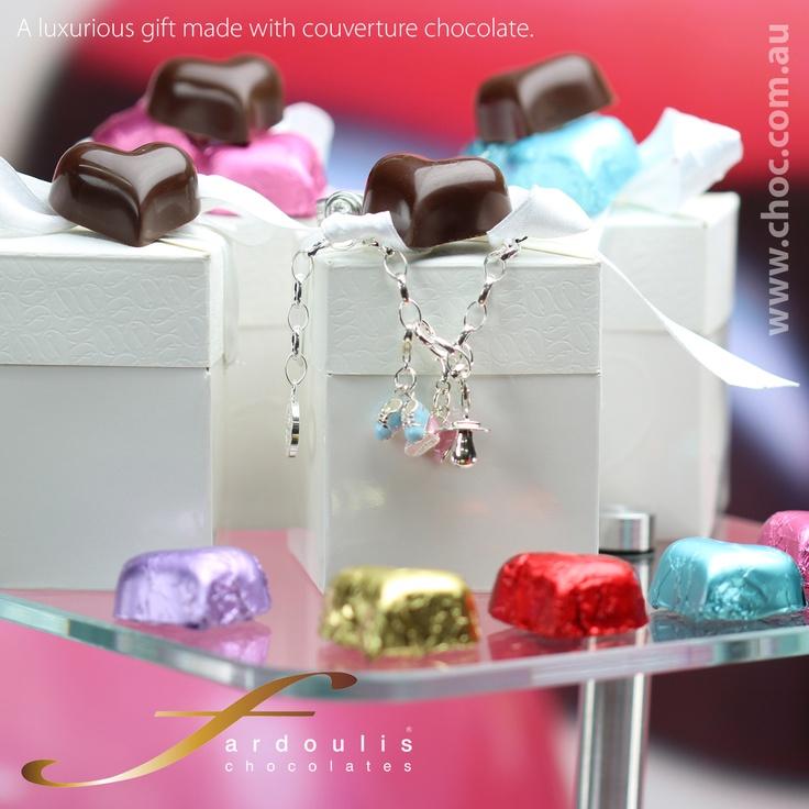 #Wedding Chocolotes heearts   www.choc.com.au