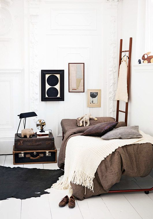 Best 25 earthy bedroom ideas on pinterest for Sleeping room decoration