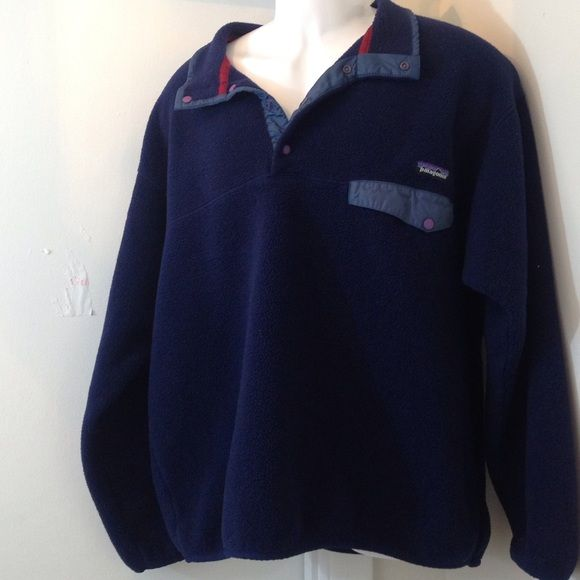 Patagonia Synchilla T Snap Blue XL. Great condition XL Patagonia Synchilla pullover. XL unisex. Small amount of fur missing as seen in the Patagonia fleece Patagonia Tops