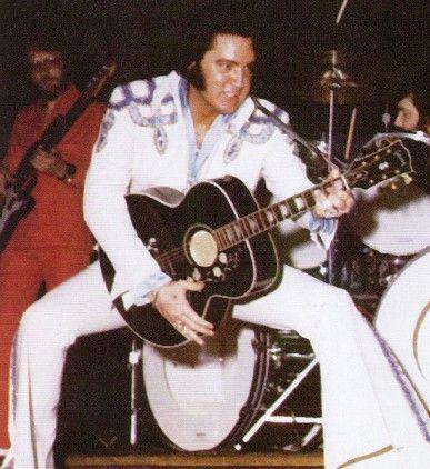 Elvis in 1975 live action! Greensboro, July 21. (Photo, Sean Shaver)