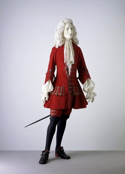 Formal coat with breeches - 1700-1705 -  England    Victoria and Albert Museum