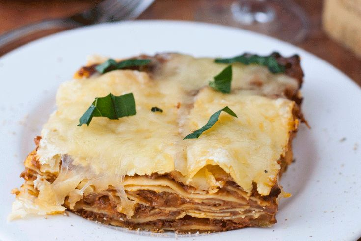 This traditional lasagna bolognese sauce and bechamel is easy to make from scratch. I use precooked lasagna sheets to speed up the cooking time.