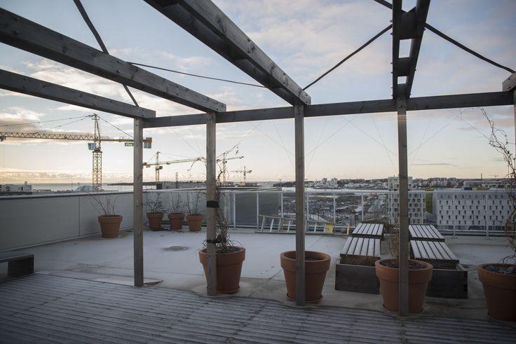 Asukkaat rakennuttivat itse yhteisöllisen kerrostalon Helsingin Jätkäsaareen. Moni tehtiin siellä toisin.