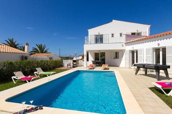 Villa Mura Sol is a beautiful 4 bedroom villa with private pool, wifi, air con, PoolFence. Book now and pay only 10% deposit!