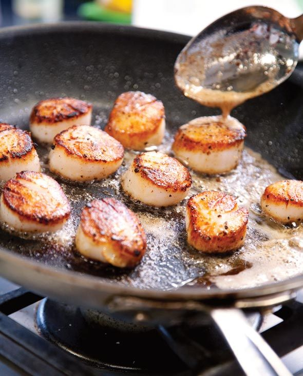 Seared Scallops by leitesculinaria: Simple yet sophisticated and on the table in minutes. #Scallops #Quick #Easy #Healthy
