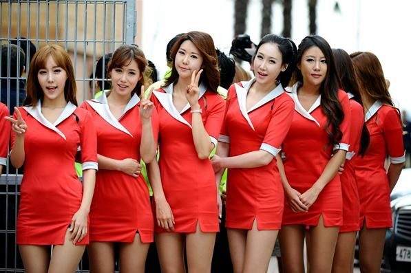 Grid girls.  Formula One World Championship, Rd16, Korean Grand Prix, Race, Korea International Circuit, Yeongam, South Korea, Sunday, 14 October 2012