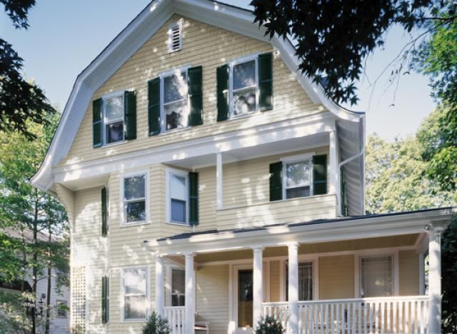 10 ideas and inspirations for exterior house colors for Colonial exterior paint colors