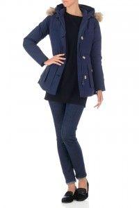 Deze indigo blauwe jas van Airforce is ideaal voor de winter. Deze damesjas is gewatteerd en zorgt ervoor dat je lekker warm en comfortabel blijft. Klik hier om deze winterjas vandaag nog te bestellen.