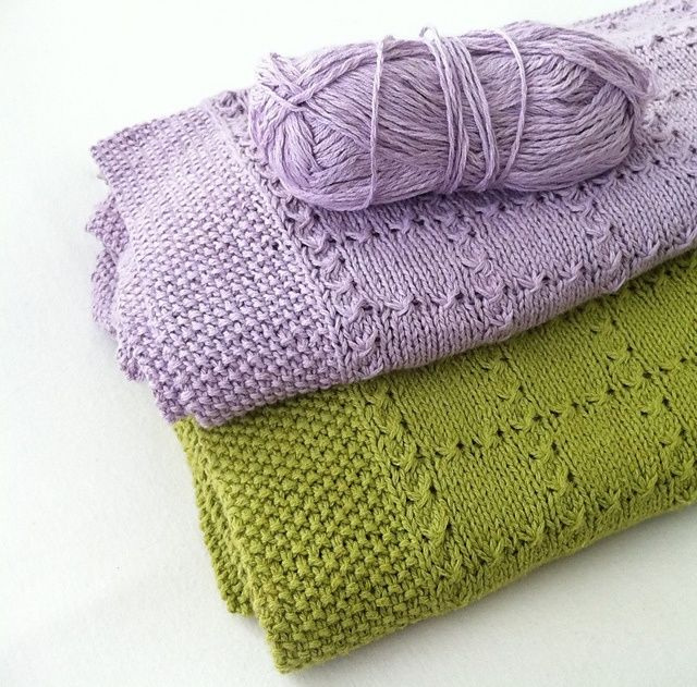 Free Pattern:: Holding Hands Baby Blanket.