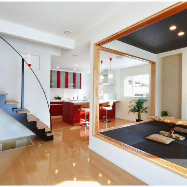 Ayumiさんの、リビング,シンプルモダン,赤いキッチン,小上がりスペース,リビング階段,のお部屋写真