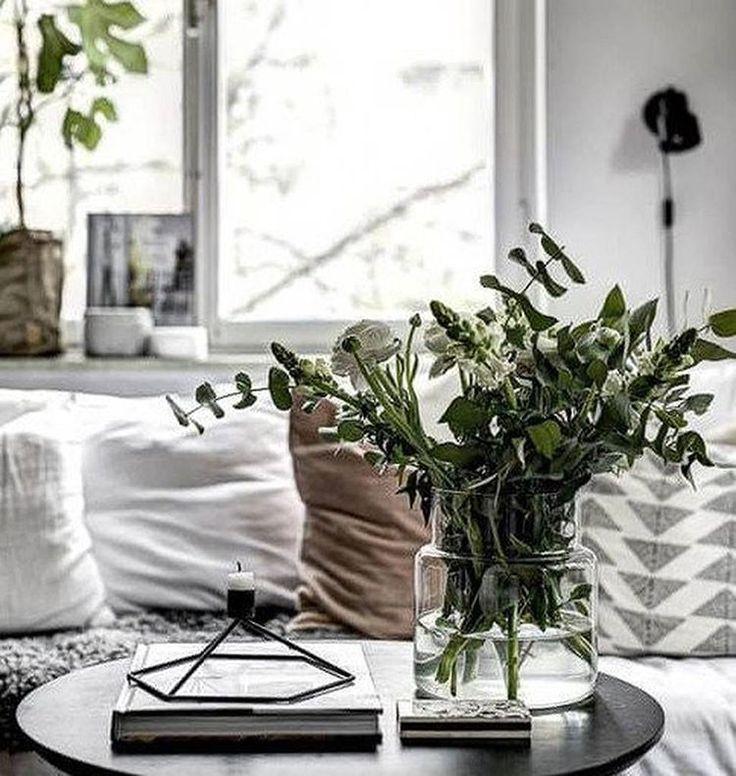 Зима - это волшебное время года, но все же порой так не хватает цветов и зелени🌿 #interior #decor #home #homeinterior #homedecor #apartment #furniture #homedecoration #decoration #interiordesign #интерьер #дизайнинтерьера #дом #декор #киев #inspiration #одесса #kiev #ukraine #odessa #livingroom #coffeetable