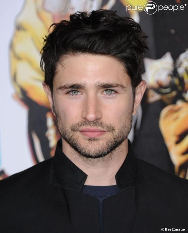 matt dallas can rock the unshaved look, i suppose.