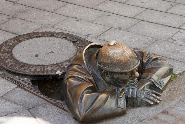 Cumil, Bratislava