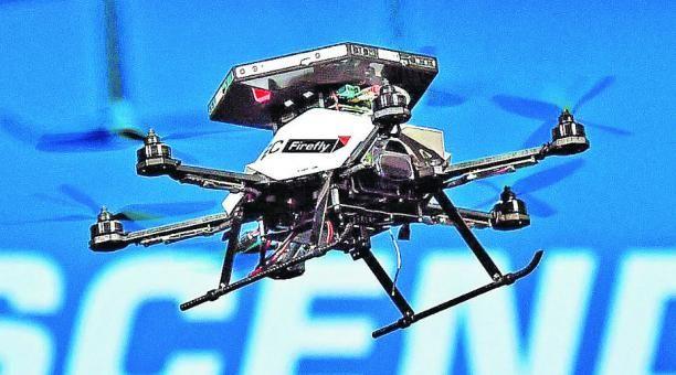 Drone: Vehiculo aereo no tripulado. Definitivamente la tecnologia es Sorprendente