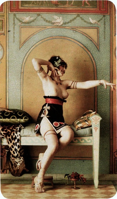 autochrome beautiful: Beautiful Reference, Art Escenica, Vintage Erotica, Art Nouveau, Boudoir Autochrom, Bellydance Photography, Art Nudes, Beautiful Love, Autochrom Beautiful