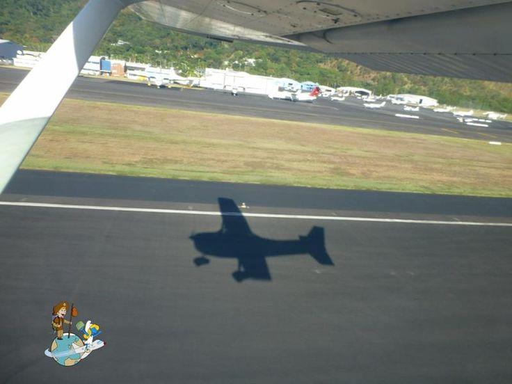 Despegando con la avioneta para sobrevolar la Gran Barrera de Coral