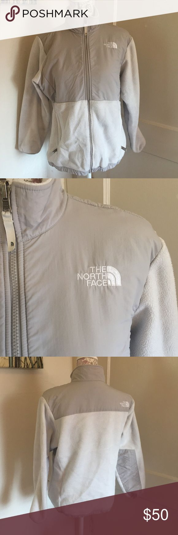 White and gray north face  girls Denali jacket 🎀 grey and white  🎀 size do girls can fit woman's small 🎀 gently used 🎀Please ask for additional pictures, measurements, or ask questions before purchase 🎀No trades or other apps. 🎀Ships next business day, unless noted in my closet  🎀Reasonable offers accepted through the offer button 🎀Five star rating 🎀Bundle for discount North Face Jackets & Coats