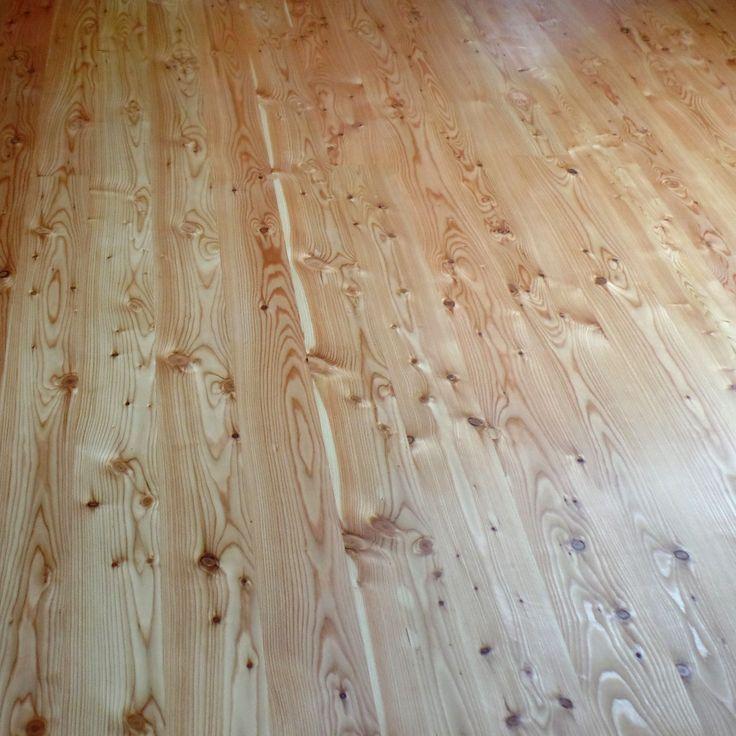 Realizacje: podłoga sosnowa.  www.parkiety.co