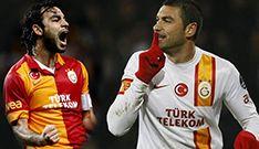 Akay Kelahmet ile Galatasaraylı futbolcu Selçuk İnan'ın kız kardeşi Pınar İnan, Hatay'ın İskenderun ilçesinde düzenlenen düğün töreni ile dünya evine girdi.