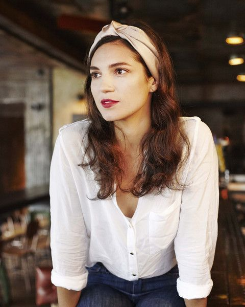 white blouse + knot headband