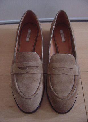 À vendre sur #vintedfrance ! http://www.vinted.fr/chaussures-femmes/derbies/28513065-geox-chaussures-derbies-cuir-daim-marron-pointure-39-comme-neufs