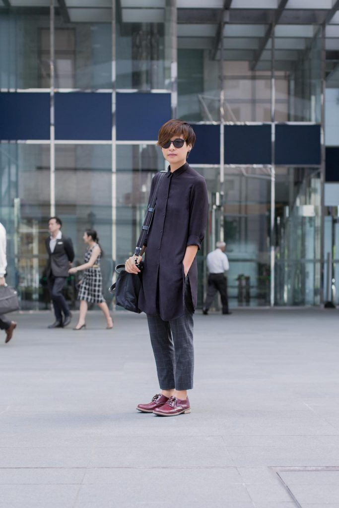 SHENTONISTA: A Different Pace. Bek, Business Development. Glasses from Marks & Spencer, Top from H&M, Pants from Uniqlo, Bag from Coach. #shentonista #theuniform #singapore #fashion #streetystyle #style #ootd #sgootd #ootdsg #wiwt #popular #people #male #female #womenswear #menswear #sgstyle #cbd #MarksSpencer #HM #Uniqlo #Coach