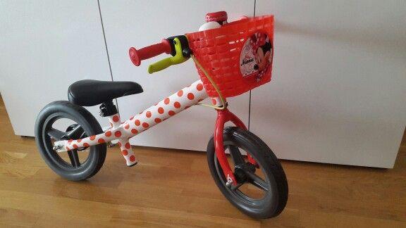 Transforma bici blanca de Decathlon en una bici de Minnie